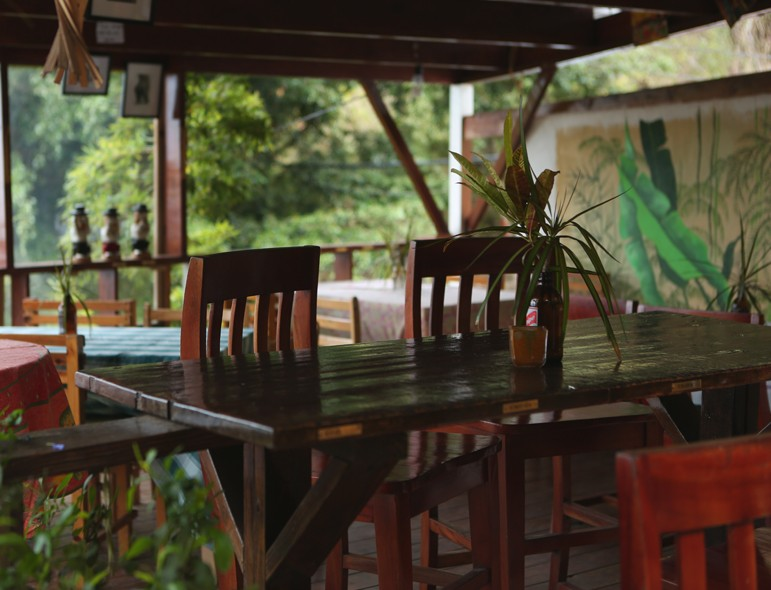 EITS CAFE Dining Room - Jamaica Mount Edge